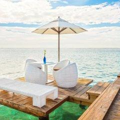 Отель Be Live Experience Hamaca Beach - All Inclusive Доминикана, Бока Чика - 1 отзыв об отеле, цены и фото номеров - забронировать отель Be Live Experience Hamaca Beach - All Inclusive онлайн приотельная территория фото 2