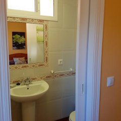 Отель Hostal Sanvi Испания, Херес-де-ла-Фронтера - отзывы, цены и фото номеров - забронировать отель Hostal Sanvi онлайн ванная фото 2