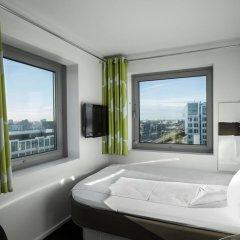 Отель Wakeup Copenhagen - Carsten Niebuhrs Gade 2* Стандартный номер с различными типами кроватей фото 7