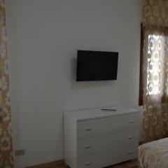 Отель Suite in Venice Ai Carmini 3* Апартаменты с различными типами кроватей