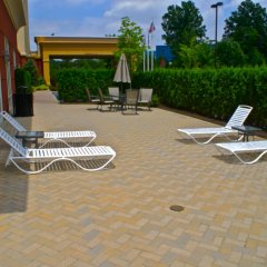 Отель Hampton Inn & Suites Staten Island бассейн фото 3