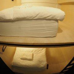 Отель Box Poshtel Phuket Стандартный номер с 2 отдельными кроватями (общая ванная комната)