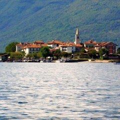 Отель La Locanda Al Lago Италия, Вербания - отзывы, цены и фото номеров - забронировать отель La Locanda Al Lago онлайн приотельная территория фото 2