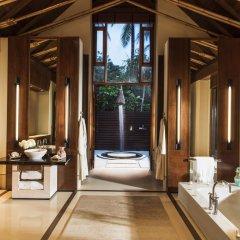 Отель One&Only Reethi Rah 5* Вилла с различными типами кроватей фото 23