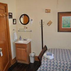 Grand Canyon Hotel 2* Стандартный номер с различными типами кроватей (общая ванная комната)