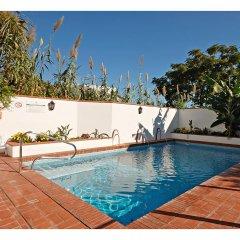 Отель Hostal La Posada Испания, Кониль-де-ла-Фронтера - отзывы, цены и фото номеров - забронировать отель Hostal La Posada онлайн бассейн фото 2