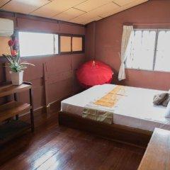 Отель Happy House On The Beach 3* Стандартный номер с двуспальной кроватью (общая ванная комната)