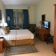 Отель Golden Tulip Sharjah Стандартный номер с различными типами кроватей