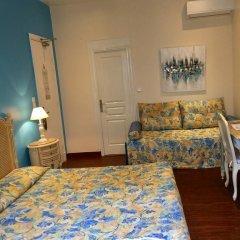 Отель Hôtel Lépante 2* Улучшенный номер с различными типами кроватей фото 3