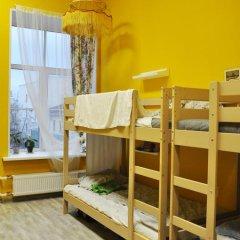 Хостел Пётр Кровать в общем номере фото 13