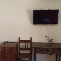 Отель Hostal San Roque Стандартный номер с различными типами кроватей фото 10
