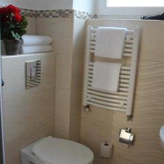 Отель Amadeus Pension 3* Стандартный номер с двуспальной кроватью фото 15