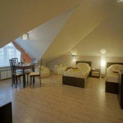 Гостиница JOY Стандартный номер с двуспальной кроватью (общая ванная комната) фото 6