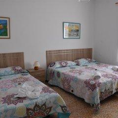 Отель Pensión Eva Стандартный номер с различными типами кроватей