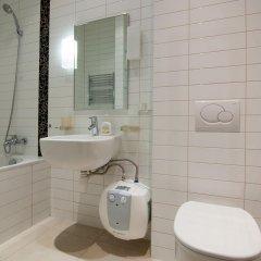 Гостиница Home Hotel Apartments on Zoloti Vorota Украина, Киев - отзывы, цены и фото номеров - забронировать гостиницу Home Hotel Apartments on Zoloti Vorota онлайн ванная