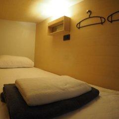 Отель Box Poshtel Phuket Кровать в общем номере с двухъярусной кроватью фото 7