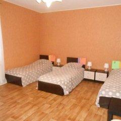 Hostel Skazka In Tolmachevo Кровати в общем номере с двухъярусными кроватями фото 3
