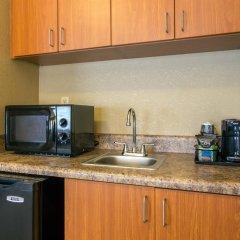 Отель Comfort Suites Wilmington 2* Люкс с различными типами кроватей