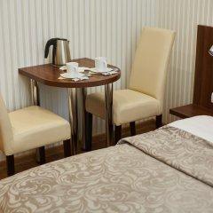 Three Crowns Hotel в номере