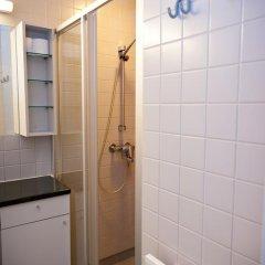 Отель Both Helsinki Кровать в мужском общем номере с двухъярусной кроватью фото 8