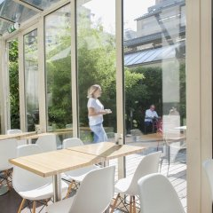 Отель Conscious Hotel Museum Square Нидерланды, Амстердам - 10 отзывов об отеле, цены и фото номеров - забронировать отель Conscious Hotel Museum Square онлайн бассейн