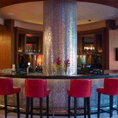 Resorts World Sentosa - Festive Hotel гостиничный бар