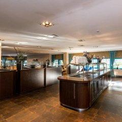 Отель Best Western Plus Blue Square Нидерланды, Амстердам - 4 отзыва об отеле, цены и фото номеров - забронировать отель Best Western Plus Blue Square онлайн гостиничный бар