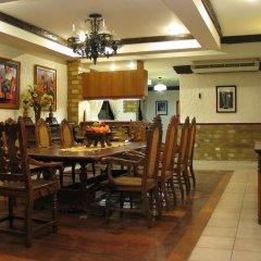 Отель Crown Regency Residences - Cebu 3* Стандартный номер с различными типами кроватей