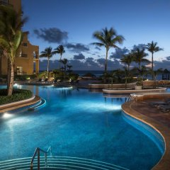Отель The Ritz-Carlton Cancun бассейн