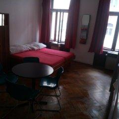 Chili Hostel Кровать в общем номере с двухъярусной кроватью