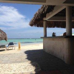 Отель Apartamento Aquarel Доминикана, Бока Чика - отзывы, цены и фото номеров - забронировать отель Apartamento Aquarel онлайн пляж фото 2