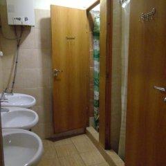 Гостиница Капитал Эконом Номер с общей ванной комнатой с различными типами кроватей (общая ванная комната) фото 5