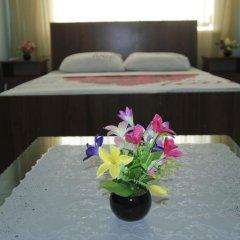 Hostel Inn Osh Стандартный семейный номер с двуспальной кроватью (общая ванная комната) фото 3