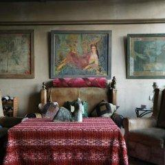 Отель Artists Residence in Tbilisi Грузия, Тбилиси - отзывы, цены и фото номеров - забронировать отель Artists Residence in Tbilisi онлайн интерьер отеля фото 2