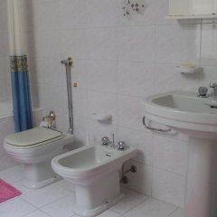 Отель Casa Tre Rose Италия, Поццалло - отзывы, цены и фото номеров - забронировать отель Casa Tre Rose онлайн ванная