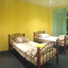 Saratovskiy Hostel Кровать в мужском общем номере с двухъярусной кроватью