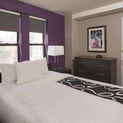 Отель La Quinta Inn & Suites New York City Central Park 2* Стандартный номер с двуспальной кроватью фото 8
