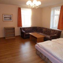 Отель Penzion Holiday 3* Апартаменты с различными типами кроватей фото 4
