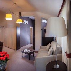Гостиница Palais Royal Odessa Семейный люкс с двуспальной кроватью