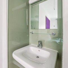 Отель LSE Carr-Saunders Hall 2* Стандартный номер с двуспальной кроватью (общая ванная комната) фото 4