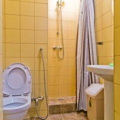 Hostel Tsentralny Кровать в мужском общем номере с двухъярусной кроватью фото 5