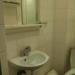 Гостиница 4 Peaks Guest House Стандартный семейный номер с двуспальной кроватью фото 11