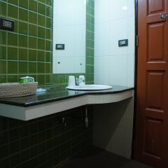 Отель Ratchadamnoen Residence 3* Улучшенные апартаменты с различными типами кроватей фото 6