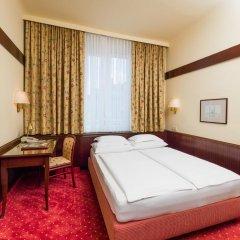 Hotel Erzherzog Rainer 4* Стандартный номер с двуспальной кроватью