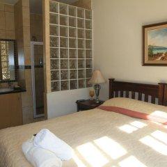 Отель Amber Rose Country Estate сейф в номере