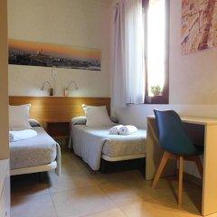 Отель Pensión Mariluz Испания, Барселона - отзывы, цены и фото номеров - забронировать отель Pensión Mariluz онлайн комната для гостей фото 5