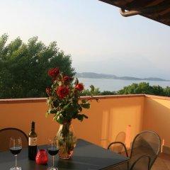 Отель Residence Miralago Rooms & Apartments Италия, Манерба-дель-Гарда - отзывы, цены и фото номеров - забронировать отель Residence Miralago Rooms & Apartments онлайн балкон