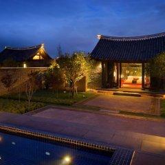 Отель Banyan Tree Lijiang 5* Вилла разные типы кроватей фото 23