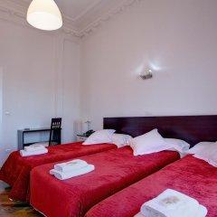 Отель Hostal Besaya Стандартный номер с различными типами кроватей фото 9