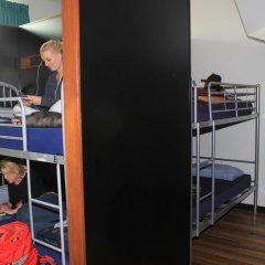 Отель Bunk Backpackers Кровать в общем номере с двухъярусной кроватью фото 14